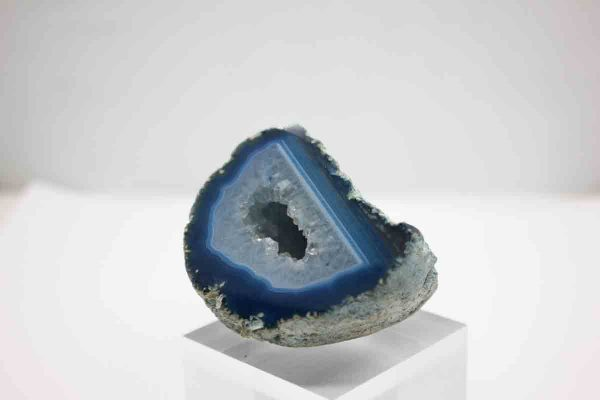 agate ball is a type of minerals