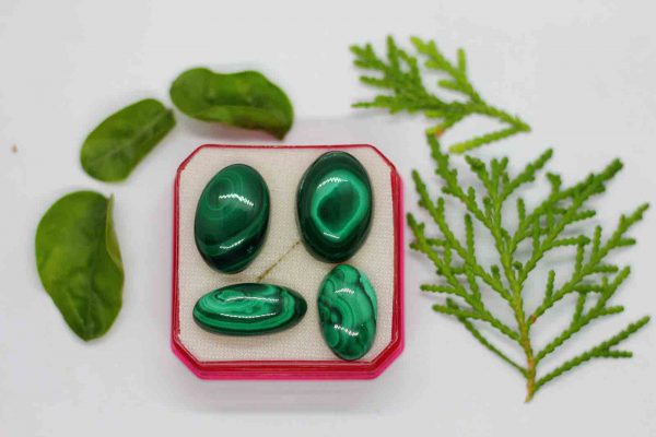 malachite or kidney stone is a type of gemstone