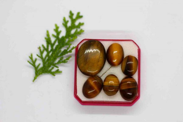 tiger eye is a type of gemstone